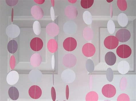 como hacer una guirnalda con circulos de papel moldes y patrones c 243 mo hacer cortinas de papel para bodas con paso a paso