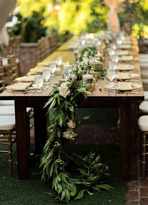 table runner    lovelier   garland