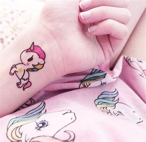 hermosos tatuajes de unicornios para tatuajes