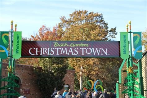williamsburg christmas town