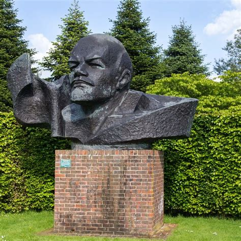 head  lenin thenford arboretum  david p howard cc