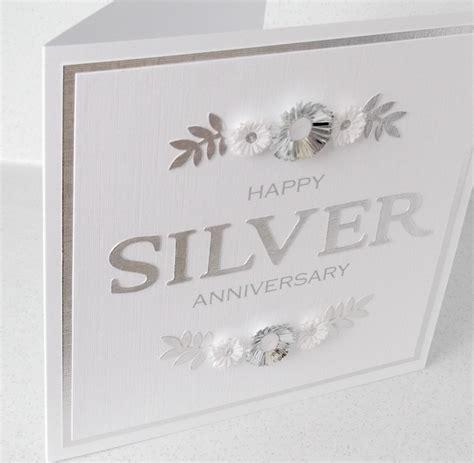 fiori 25 anni matrimonio 25 anni di matrimonio consigli e idee per festeggiare le