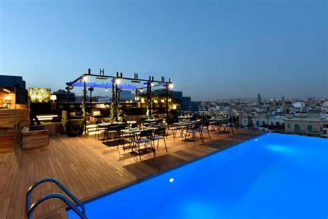 roof top bars barcelona los 9 mejores rooftop bars de barcelona passeig de gr 224 cia