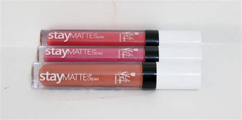 Latulipe Staymatte Lipcream indonesia january 2017