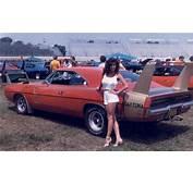 Muscle Car 1969 DODGE DAYTONA And A 1970 Superbird
