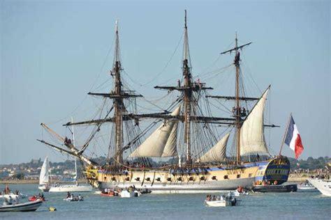 hermione bateau l hermione en escale au vieux port de marseille tout le