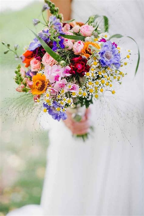 Wildflower Arrangements For Weddings by 25 Best Ideas About Country Wedding Bouquets On