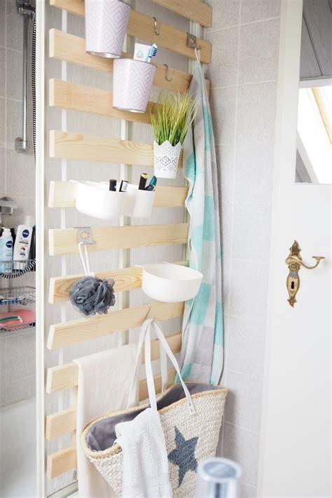 badezimmer regal glasböden diy wandaufbewahrung im badezimmer alles sofort griffbereit