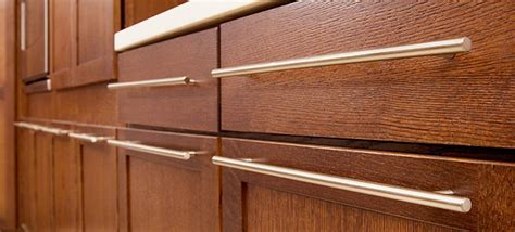 kitchen cabinets with handles how to buy new handles for kitchen cabinet modern kitchens