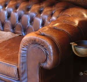 How To Get Smell Out Of Leather by 25 Best Ideas About Cleaning Leather Couches On Cleaning Leather Furniture