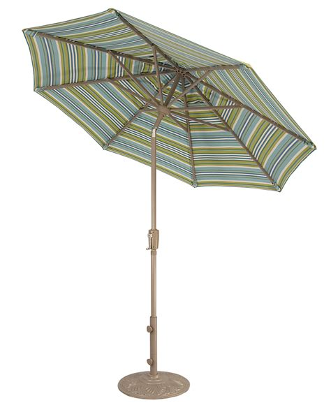 Made in the Shade: Patio Umbrellas by Treasure Garden