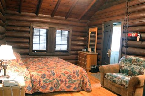 Cabin Cing In Illinois by Elements Restaurant At Starved Rock Lodge Picture Of