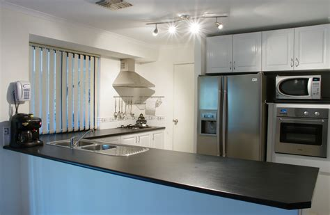 kitchen picture file modern kitchen gnangarra jpg wikipedia
