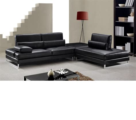 Modern Black Leather Sectional by Dreamfurniture Modern Black Leather