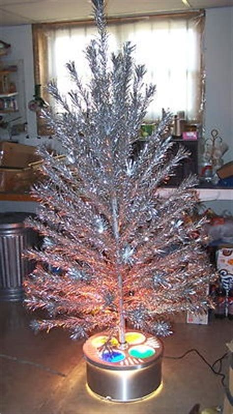 peco aluminum christmas tree superb 1960 peco 6 aluminum tree w evergleam tri lite stand trees we and