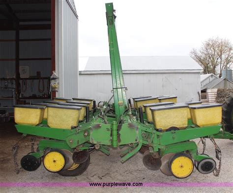 John Deere 7000 Eight Row Planter No Reserve Auction On Deere 7000 Planter Manual