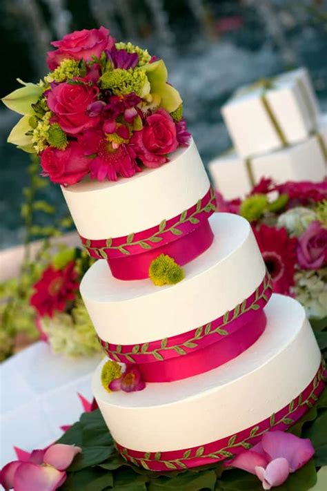 luau wedding cakes pictures tropical wedding cakes beautiful to eat