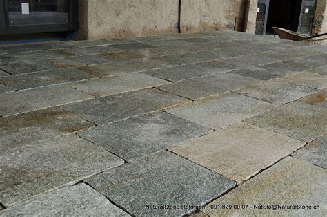 bodenplatten garten verlegen bodenplatten luserna in bahnen und als mosaik f 252 r ihren