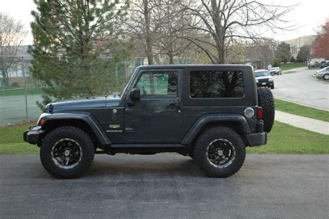 Jeep Jk 33 Inch Tires Show Me 33 Or 35 Inch Tires With No Lift Jk Forum