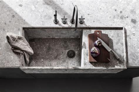 lavello cucina pietra cucina stile country con lavello in pietra lavandino in