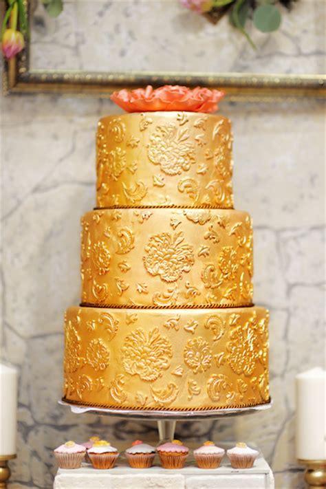 Goldene Hochzeitstorte by Goldene Hochzeitstorten Berlin Individuelle Hochzeitstorten
