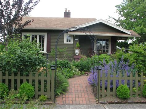 tiny houses portland or beaumont small house portland oregon portland pinterest