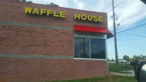 waffle house covington ga clean and extra friendly employees at this covington