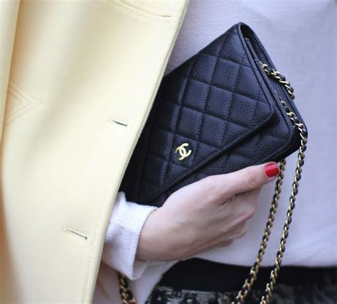 Clutch Chanel Woc Zip Caviar Hitam Ac33819 1 yellow coat fashion week mes voyages 224