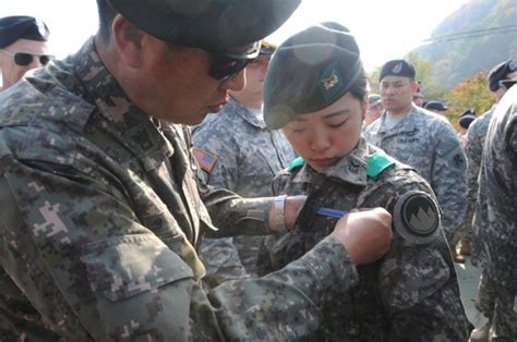 Rok Korea south korean soldiers earn coveted expert infantryman badge article the united