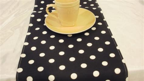 Pinterest Discover And Save Creative Ideas Black And White Polka Dot Table Runner