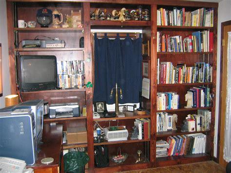 woodwork built  bookshelf plans   plans