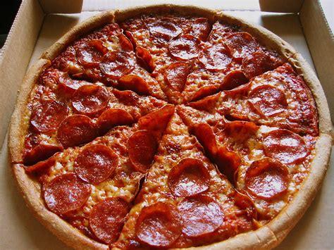 Taste Test: Pizza Hut's The Natural Pizza   POPSUGAR Food