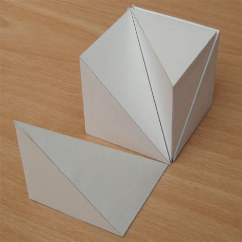 Paper Cubes - paper six pyramids that form a cube