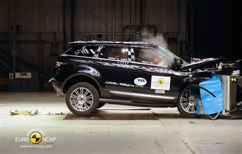 mini land rover mini countryman range rover evoque four star ancap