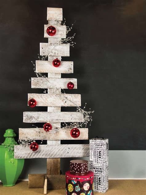 pallet christmas tree dimensions easy pallet tree free pallet tutorials 1001 pallets