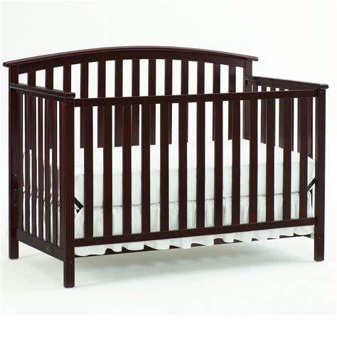 Graco Convertible Cribs 71 Freeport Graco Crib Graco Baby Cribs Freeport Convertible Crib Cherry 3 In 1