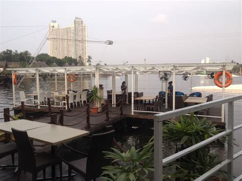 Ramen Takigawa food lover takigawa bar on boat