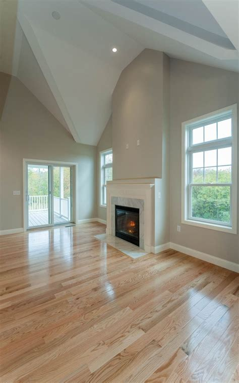 stain color  pine ceiling   living room