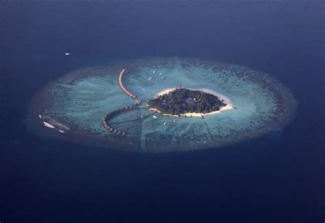 Maldives Islands Sinking by Maldives Save Me From Sinking S Daily