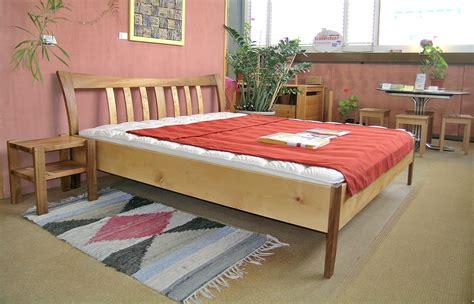 Holzbett 120x200 by Bettwsche 120x200 Interesting Alta X Cm Delig Leen Bakker