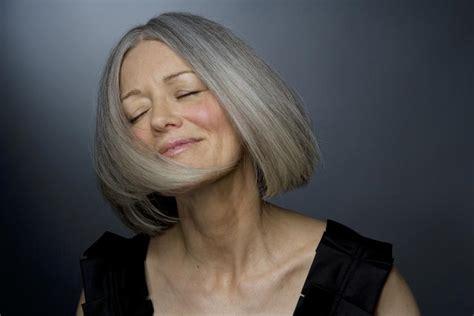 makeup for women over 60 with gray hair das sind die 10 besten haarstyles f 252 r frauen ab 50