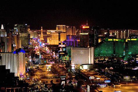 vegas attractions over christmas gamble free in las vegas things to do travel tweaks