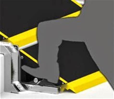 scienziato sedia a rotelle consigli pratici scala che abbatte le barriere