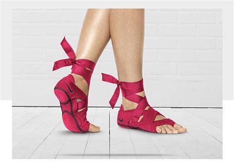 Jual Nike Studio Wrap kicks and kit kicks and kit