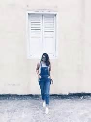 Slingbag Pretty Maroon by Nurul Amira Maroon Top Black Side Slit Skirt