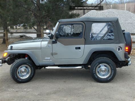 Jeep 2 Door by 2006 Jeep Wrangler Se Sport Utility 2 Door 2 4l
