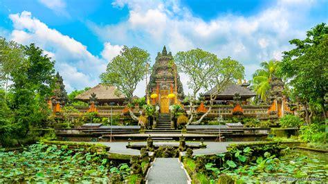 pura taman saraswati temple  bali central landmark
