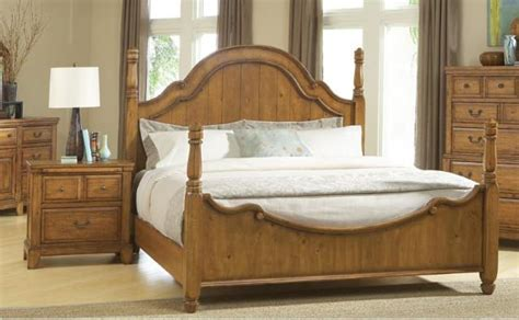 attic heirlooms heritage by broyhill furniture broyhill attic heirlooms heritage poster bedroom set
