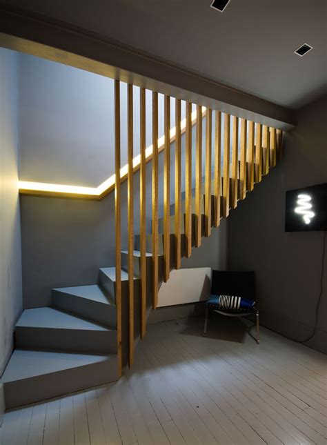 Lights For Stair Banisters by 25 Best Ideas About Oak Stairs On Steel
