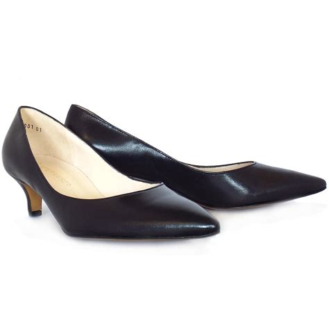 heeled shoe kaiser rona classic pointed toe court shoes in